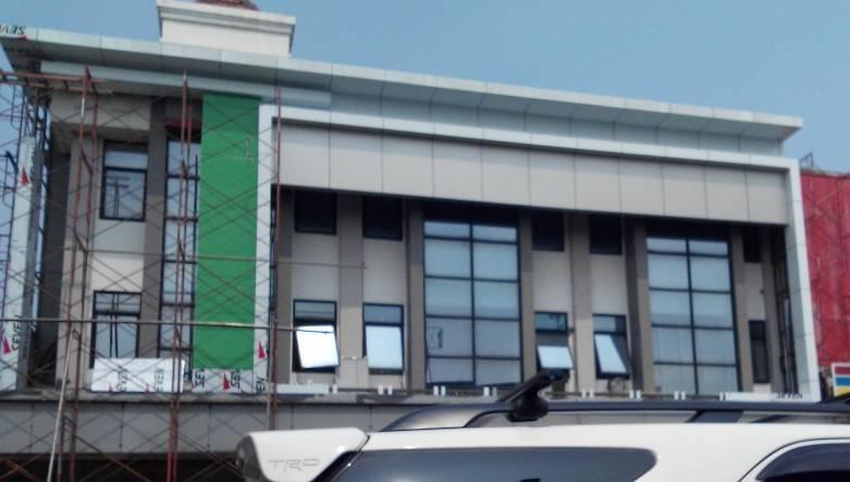Jasa Pasang Seven Aluminium Composite Panel Gedung Kantor