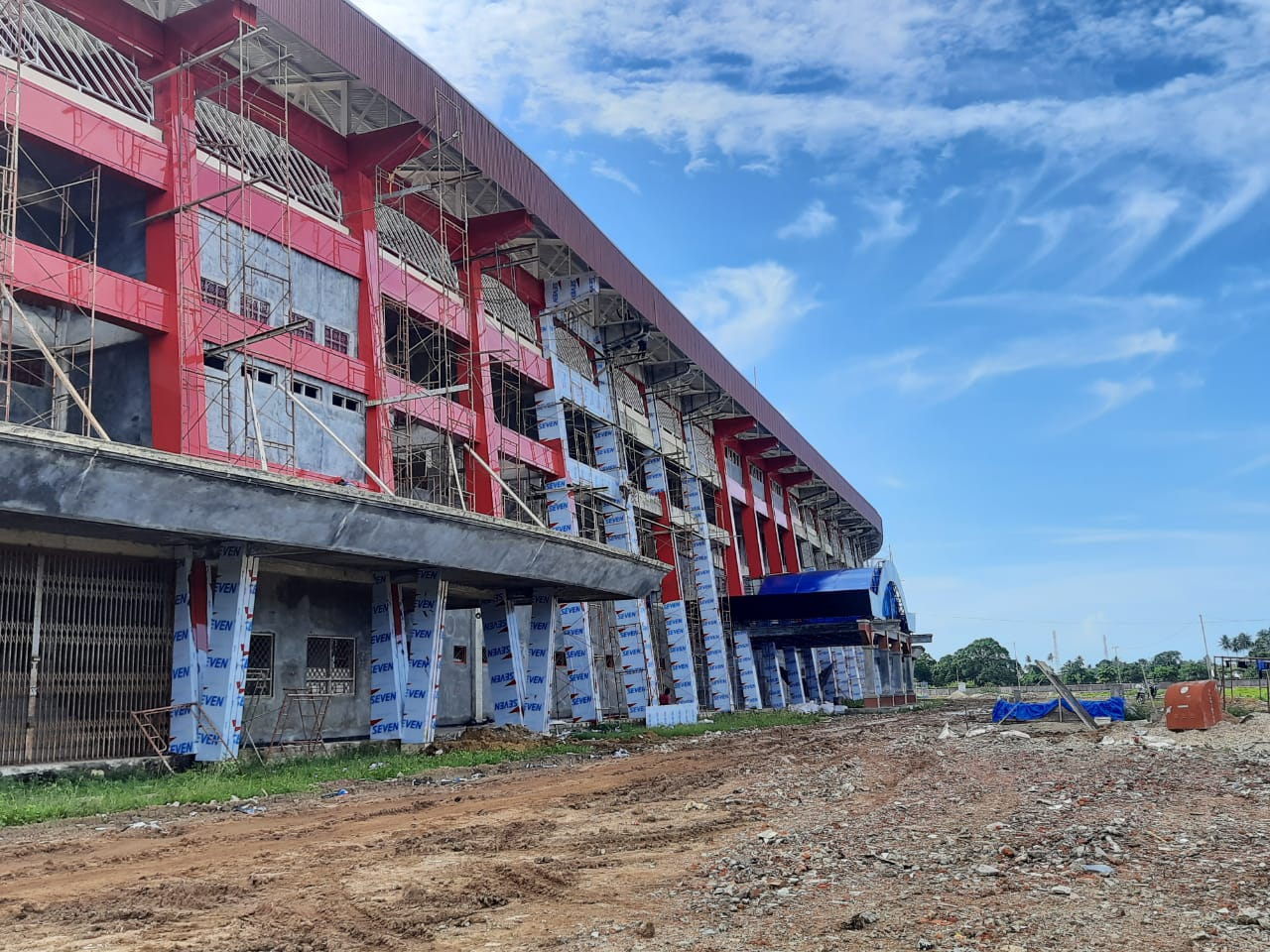 Pemasangan Seven Aluminium Composite Panel Stadion Katalpal Kota Merauke - Provinsi Papua